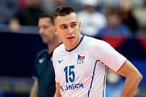 Smečař Lukáš Vašina v dresu s číslem 15 na letošním mistrovství Evropy volejbalistů v Ostravě.
