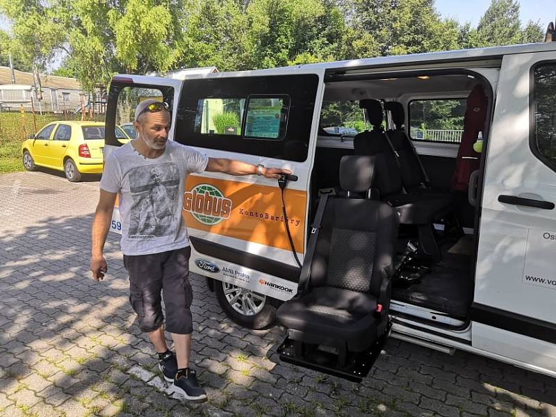 Přepravní služba ALDIO vozí handicapované tam, kam potřebují.