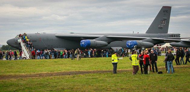 Dny NATO vOstravě na letišti vMošnově. Na fotografii bombardér B-52H Stratofortress
