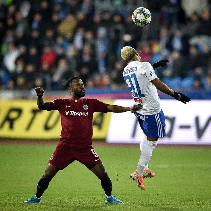 Utkání 20. kola první fotbalové ligy: Baník Ostrava - Sparta Praha, 14. prosince 2019 v Ostravě. Na snímku (zleva) Guelor Kaku Kanga a Dyjan Carlos De Azevedo.