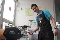 Druhý ročník soutěže v přípravě espressa a cappuccina o víkendu hostilo centrum Viva v Ostravě-Hrabůvce.