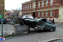 Ke kuriózní nehodě došlo ve středu odpoledne v centru Ostravy na křižovatce ulic Poděbradova a Janáčkova.