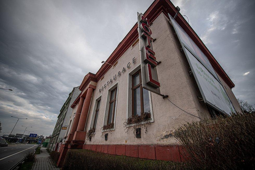 Hotel Corrado kde byli ubytování dva příslušníci ruské tajné služby GRU, 20. dubna 2021 v Ostravě. Agenti Anatolij Čepiga a Alexandr Miškin se v hotelu ubytovali v roce 2014.