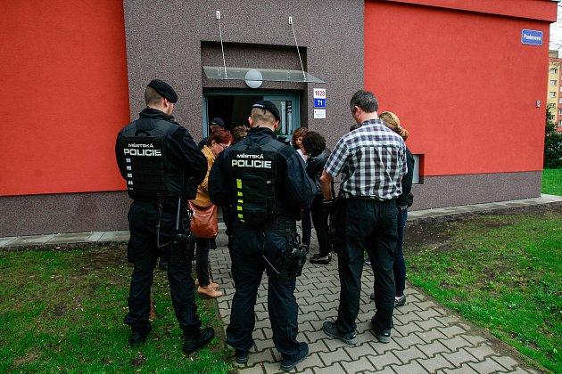 Kontrola obecních bytů na uliciích Pavlovova a Čujkovova v Ostravě Zábřehu, duben 2018.