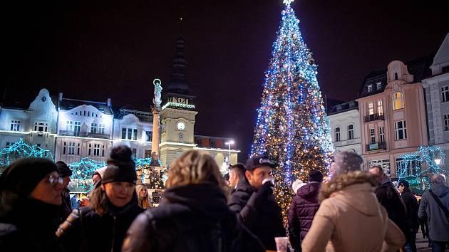 Vánoční trhy na Masarykově náměstí, 2. prosince 2019 v Ostravě.