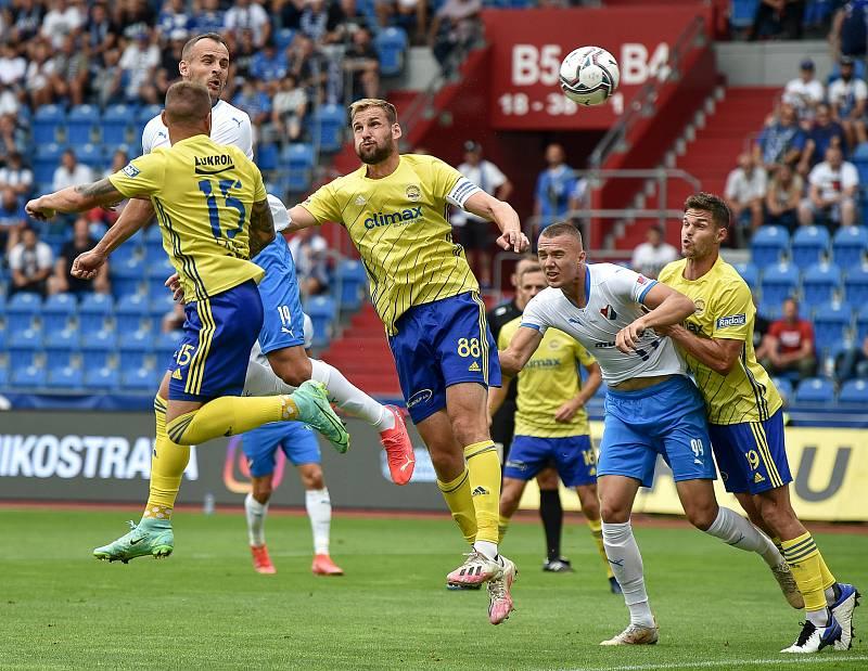 Utkání 2. kola první fotbalové ligy: Baník Ostrava - Fastav Zlín, 1. srpna 2021 v Ostravě. (zleva) David Lischka z Ostravy dává gól.