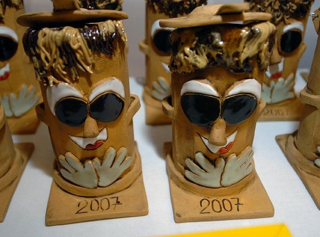Keramická popelnice - cena pro vítěze soutěže v třídění odpadu