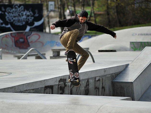 Skateboardový a bike areál v Ostravě-Porubě je po zimě opět otevřen veřejnosti.