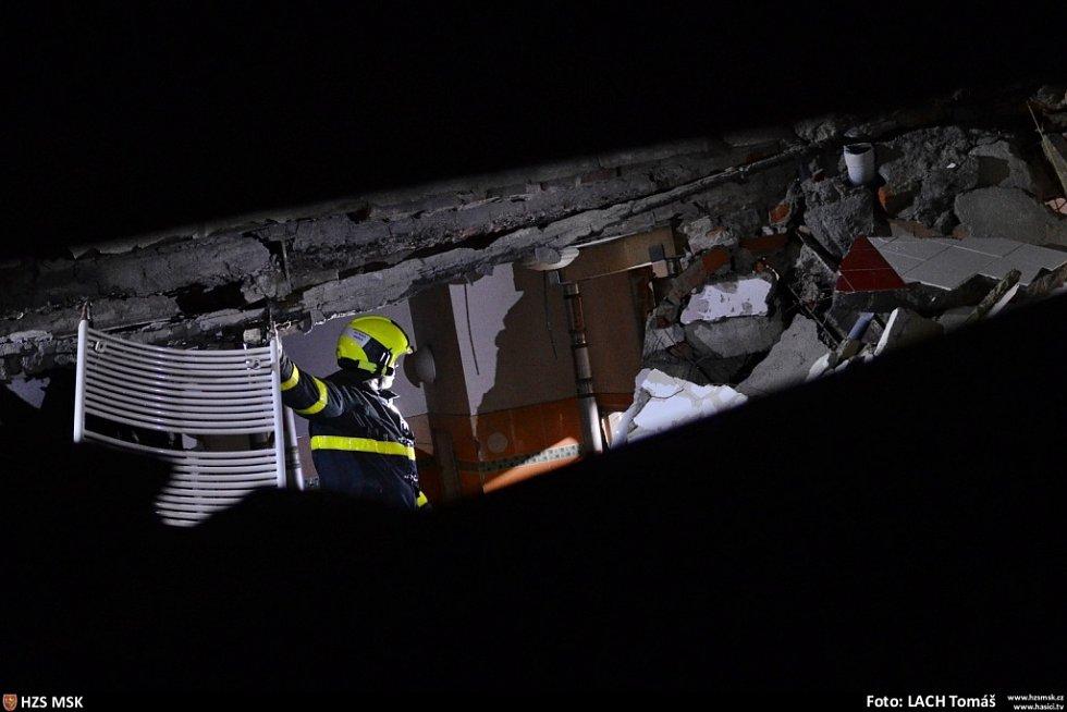 Snímky z místa události.