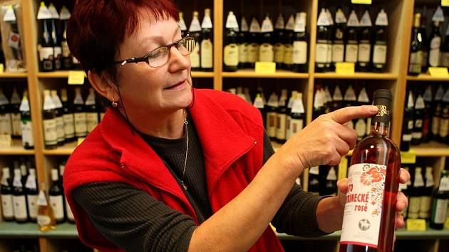 Také v ostravských vinotékách si od středy mohou zájemci konečně zakoupit první letošní víno – Svatomartinské.