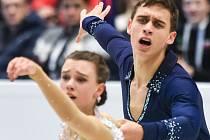 SKVĚLÁ PREMIÉRA. Sedmnáctiletá česká sportovní dvojice Anna Dušková a Martin Bidař obsadila při svém prvním startu na mistrovství Evropy sedmé místo.