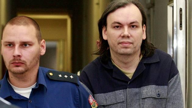 Lumír Herič na chodbě ostravského soudu.