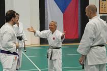 Shihan Masaru Miura, jeden z posledních žijících mistrů školy Shotokan Karate, vedl ve svých dvaaosmdesáti letech seminář v Ostravě.