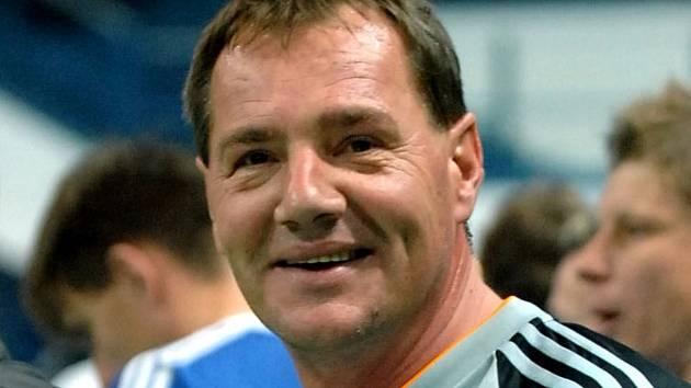 Bývalý skvělý fotbalový gólman Jaroslav Zápalka vychytal v roce 1986 Vítkovicím zatím jediný mistrovský titul v historii ostravského klubu. Byl také u postupu do čtvrtfinále poháru UEFA.