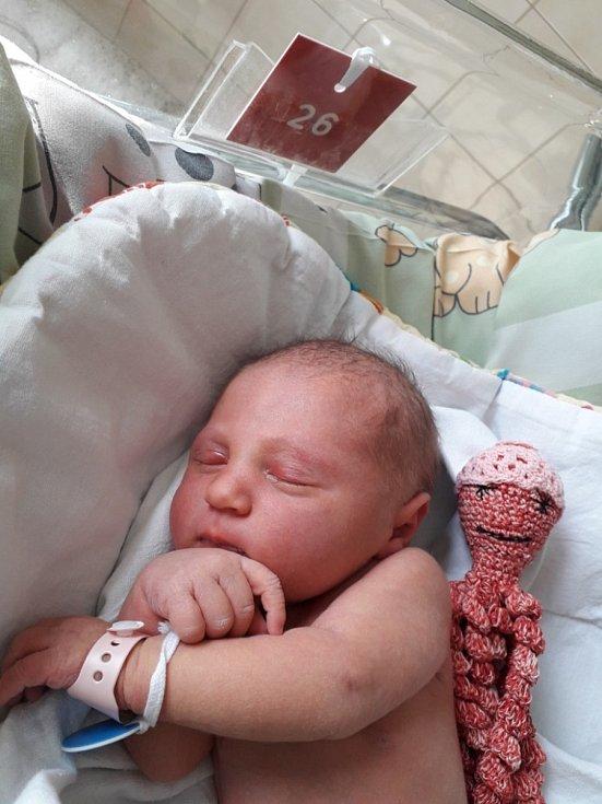 Veronika Morcinková z Ostravy, narozena 10. dubna 2021 v Havířově, váha 3720 g, míra 51 cm. Foto: Michaela Blahová