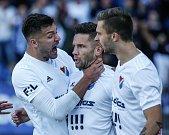 FC Baník Ostrava – SK Slavia Praha, radost, gól, zleva Patrizio Stronati, Martin Fillo, Artem Meshchaninov