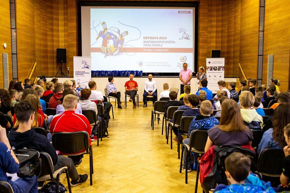 Beseda s českou hokejovou legendou Dominikem Haškem, 31. května 2019 v Ostravě.