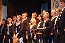 Mezinárodní festival pěveckých sborů Baška 2010 diváky nadchl. K jeho uskutečnění významnou měrou přispěl díky hlasům veřejnosti PRAZDROJ LIDEM.