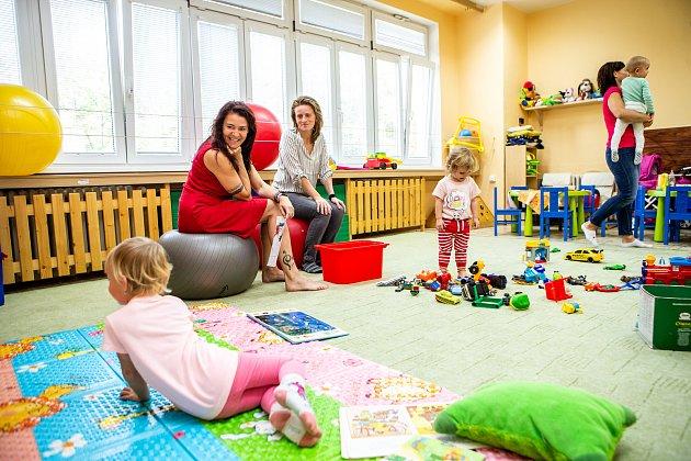 Ředitelka Edita Kozinová, ředitelka rodinného a komunitního centra Chaloupka vOstravě.