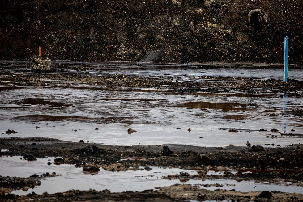 Laguny po ostravské chemičce Ostramo, 28. prosince 2020 v Ostravě.