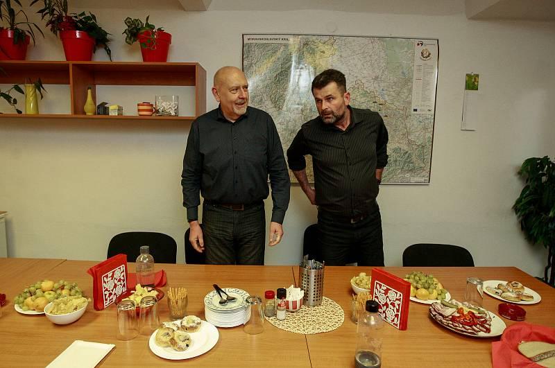 Volby 2017. Štáb KSČM v Ostravě, vlevo Leo Luzar