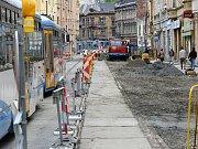 Rekonstrukce ulice 28. října mezi Masarykovým a Smetanovým náměstím má být hotova do poloviny října a vyžádá si 26 milionů korun.