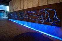 Podchod pod Frýdlantskými mosty krášlí svítící zvířata.