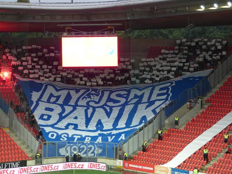 Fotbalisté Baníku Ostrava v pražském Edenu znovu neuspěli. V neděli večer tam utrpěli debakl 0:4.