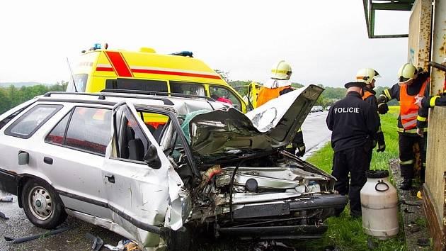 Tragická dopravní nehoda na silnici 47 u obce Bravantice na Novojičínsku.