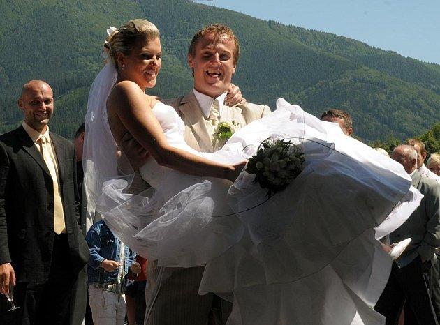 Pavel Kubina se v sobotu v Čeladné ženil