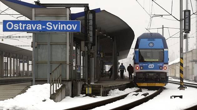 Čtyři nové CityElefanty, dvoupodlažní elektrické vlakové jednotky, budou vozit pasažéry na trati mezi Studénkou a Mosty u Jablunkova.