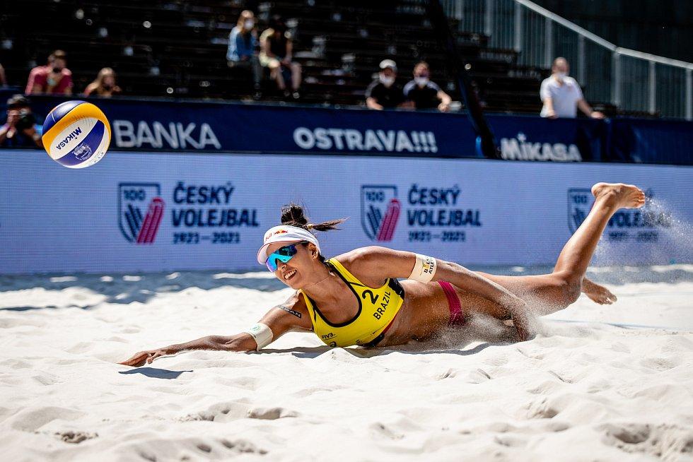 J&T Banka Ostrava Beach Open, 3. června 2021 v Ostravě. Eduarda Santos Lisboa (BRA).