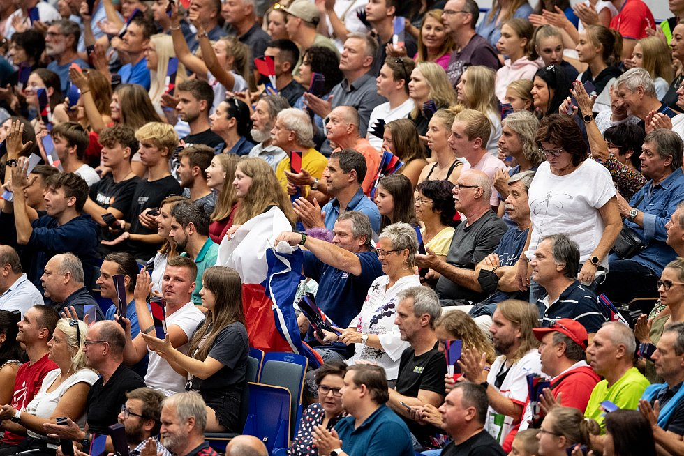 Patnáct zápasů základní skupiny B na mistrovství Evropy volejbalistů v Ostravě vidělo celkem 17 206 fanoušků.