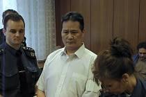 Devětačtyřicetiletý Dinh Ngoc Le. Ve vězení stráví jedenáct let.