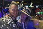 Snímky mladého cestovatelského páru z Ameriky.