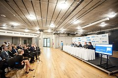 Setkání s hejtmanem moravskoslezského kraje Ivo Vondrákem - akce Deníku, kterou uspořádal 28. listopadu 2017 v Multifunkční aule Gong v Dolních Vítkovicích.