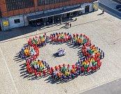 Pomyslný titul Miliontý návštěvník v roce 2015 si v úterý odnesla čtrnáctiletá Adriana Koščenová ze Základní školy Gebauerova z Ostravy-Přívozu.