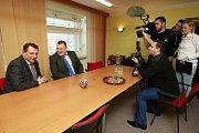 Jiří Paroubek se setkal se zástupci ČSSD z Ostravy, jež ho pozvali na radnici Jihu.