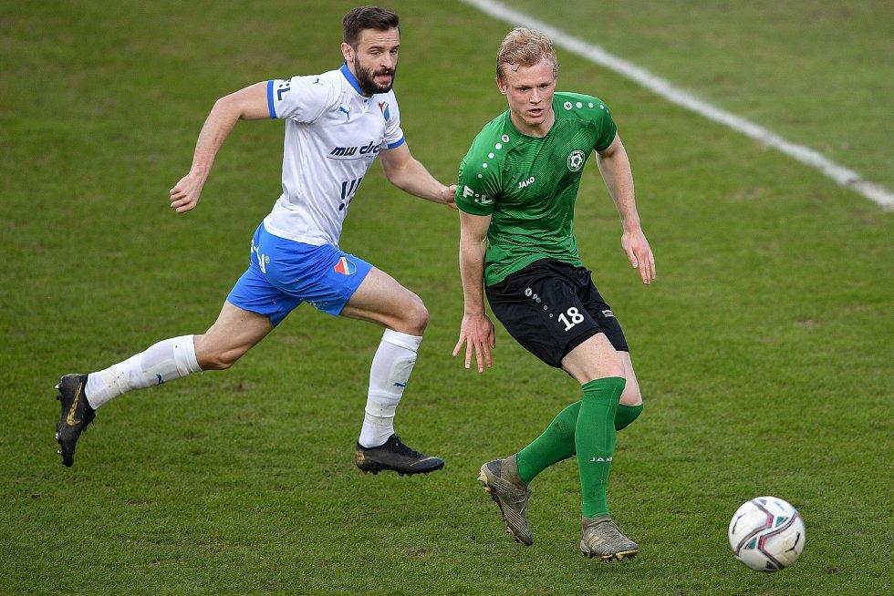 Utkání 23. kola první fotbalové ligy: FC Baník Ostrava – 1. FK Příbram, 13. března 2021 v Ostravě. (zleva) Tomáš Zajíc z Ostravy a Jiří Mezera z Příbrami.