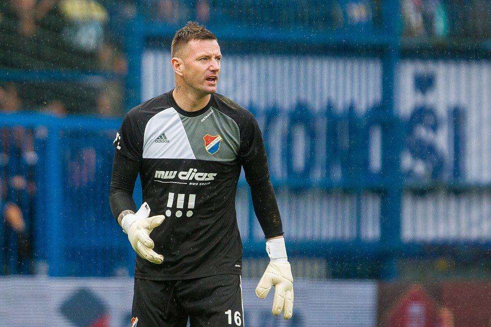 Zápas 7. kola první fotbalové ligy mezi týmy FC Slovan Liberec a FC Baník Ostrava se odehrál 1. září na stadionu U Nisy v Liberci. Na snímku je brankář Jan Laštůvka.