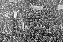 Dne 27. listopadu 1989 se také v Ostravě konala generální stávka. Na dnešním Masarykově náměstí se sešlo víc lidí než při vzniku Československa v roce 1918.