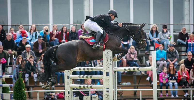 Velká cena Ostravy. Na snímku jezdec Marek Klus a kůň Crado Von Wichenstein.