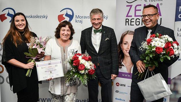 Žena regionu 2018, 15. října 2018 v Ostravě - Dana Meca Franková na snímku druhá zprava vedle hejtmana Moravskoslezského kraje Ivo Vondráka.