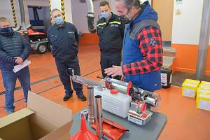 Speciální generátory teplého desinfekčního aerosolu mají všestranné využití.