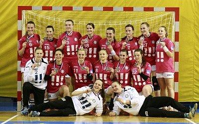Házenkářky DHC Sokol Poruba obsadily v české části play-off třetí místo.