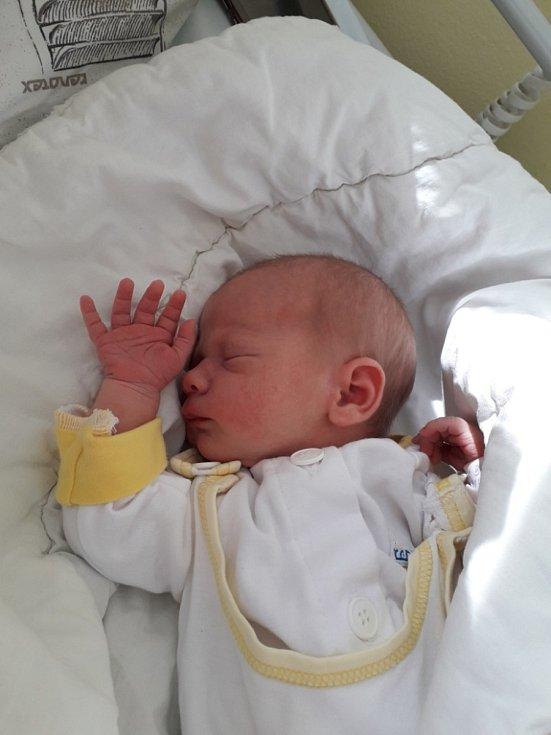 Beata Preinová z Havířova, narozena 4. dubna 2021 v Havířově, váha 2990g, míra 49 cm. Foto: Michaela Blahová