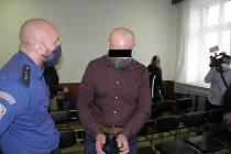 Soud s mužem, který si měl objednat vraždu bývalého obchodního partnera, skončil po několika minutách.