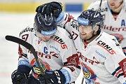 Utkání 40. kola hokejové extraligy: HC Vítkovice Ridera - HC Dynamo Pardubice, 9. ledna 2019 v Ostravě. Na snímku (zleva) Rostislav Olesz a Rastislav Dej.
