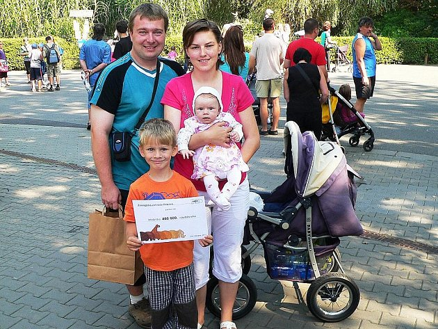 Dalším rekordním návštěvníkem se stala paní Niemcová ze Smilovic, která do ostravské zoo o víkendu zavítala se svým manželem a dvěma dětmi.