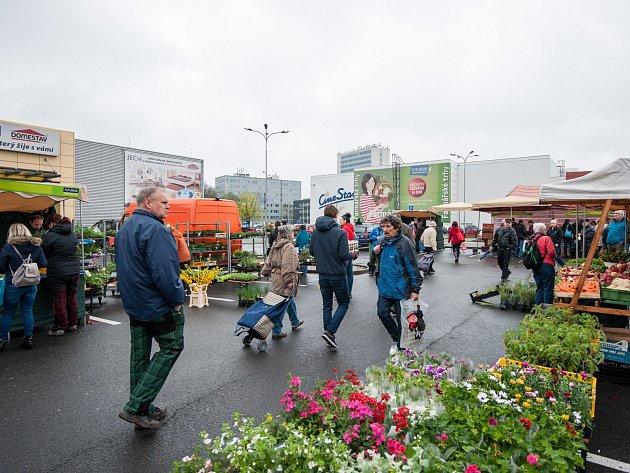 Farmářské trhy u nákupního centra Futurum v Ostravě.
